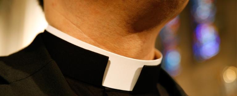 roman-collar